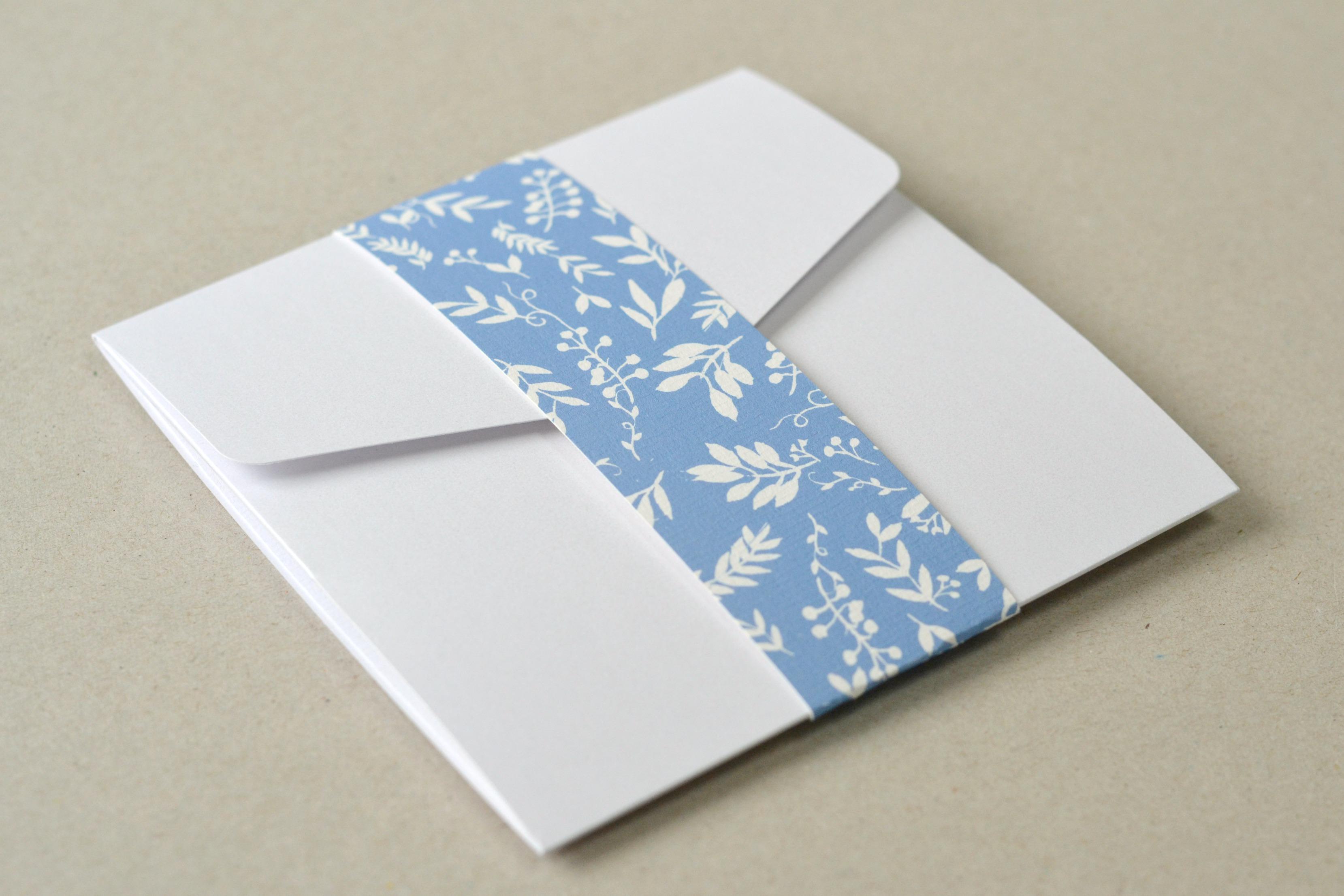 Cornflower Blue country wreath wedding invitations